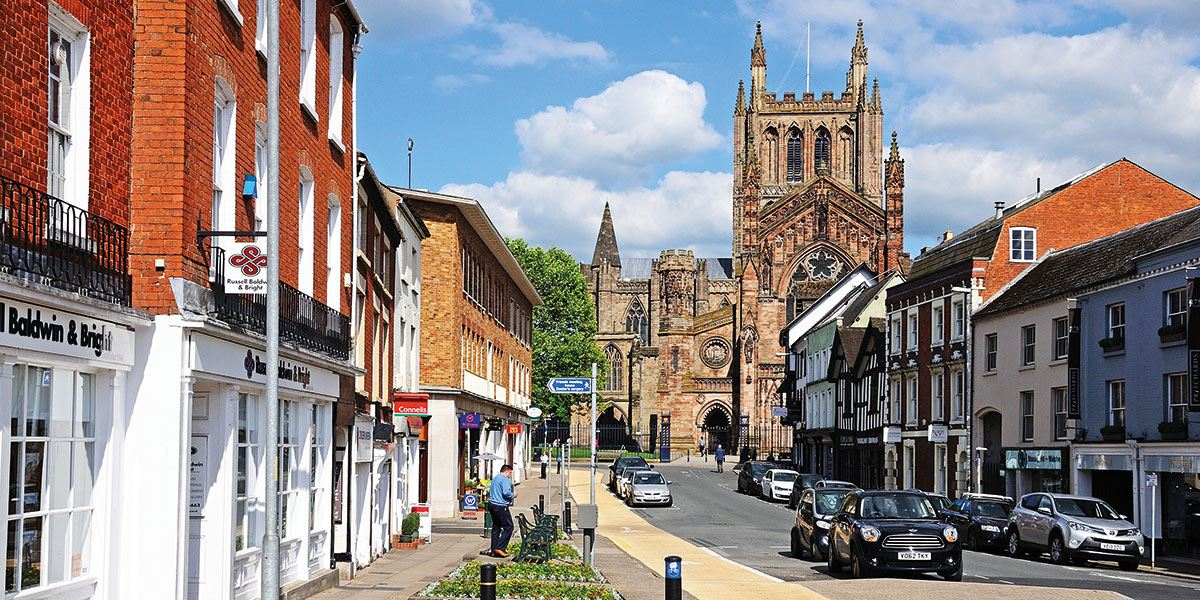 See the beautiful architecture of Hereford Cathedral