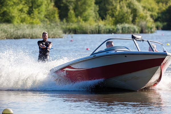 Water skiing at Wiremill Lake, near Felbridge
