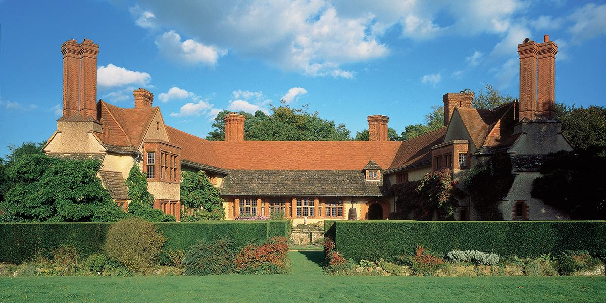 dmire Edwin Lutyens' architectural style at Goddards, Abinger Hammer