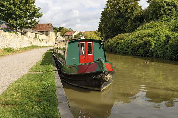 Canal boat at Bradford on Avon