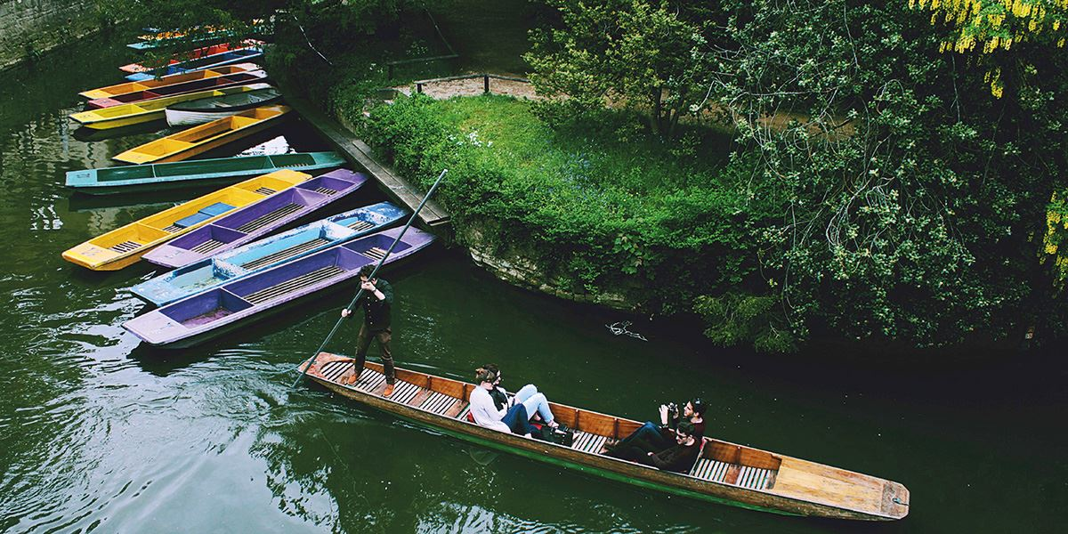 Punting along the River Isis