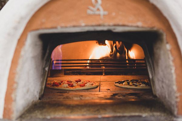 Wood-fire pizza oven