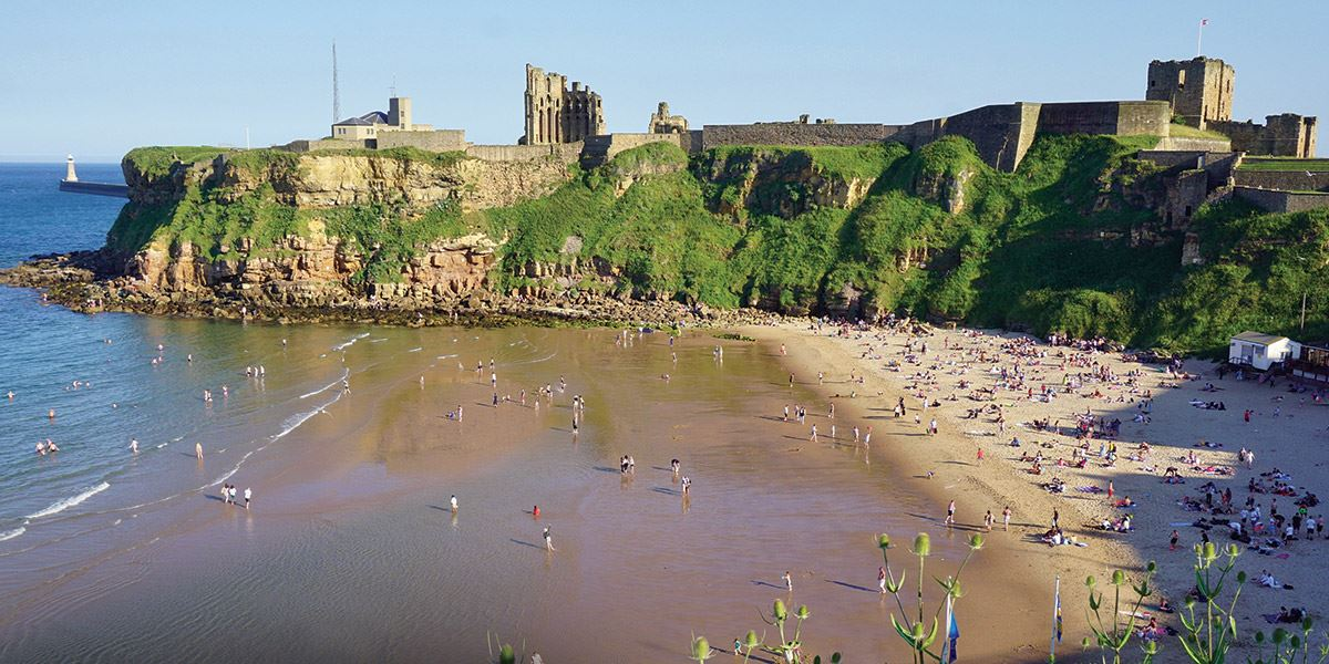 King Edward's Bay is overlooked by the imposing Tynemouth Priory and Castle