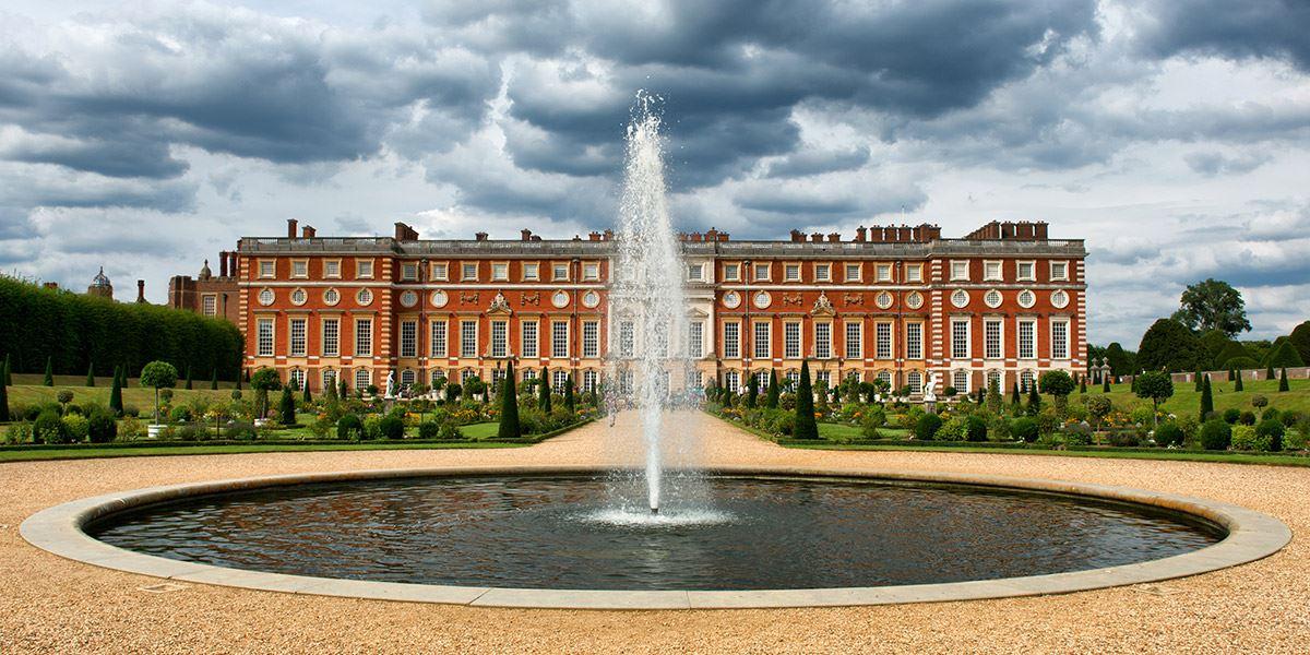 Fountain at Hampton Court