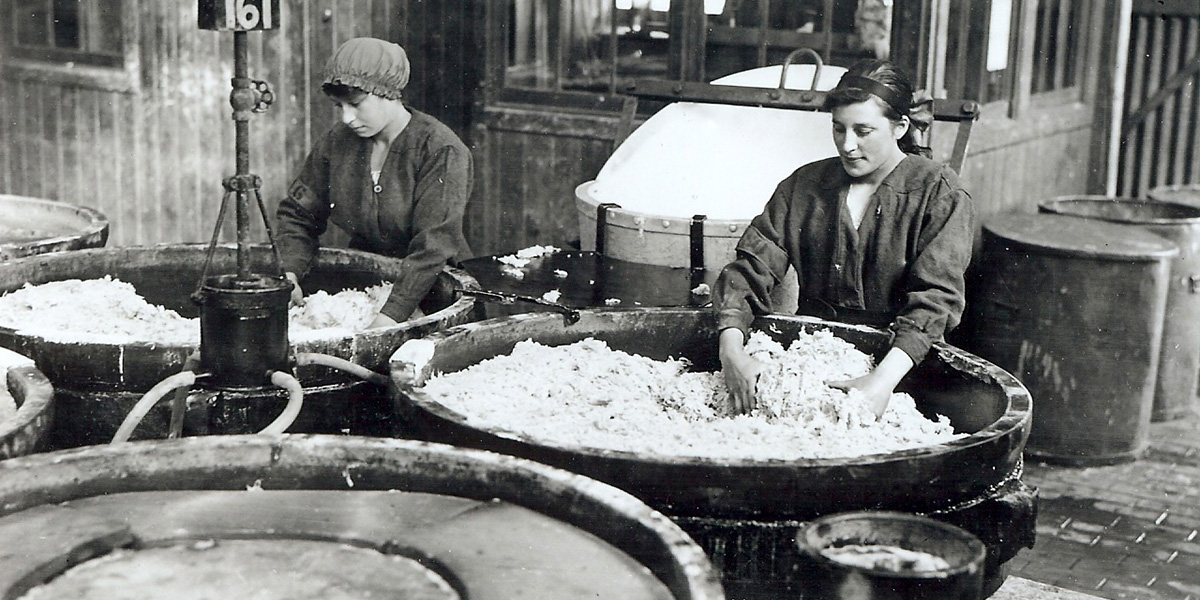 Women work to make ammunition at The Devils Porridge