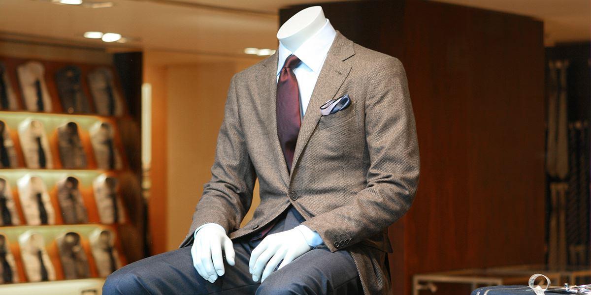 Mannequin with suit